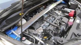 ロードノイズ低減を目指したC-HRのストラットタワーバー
