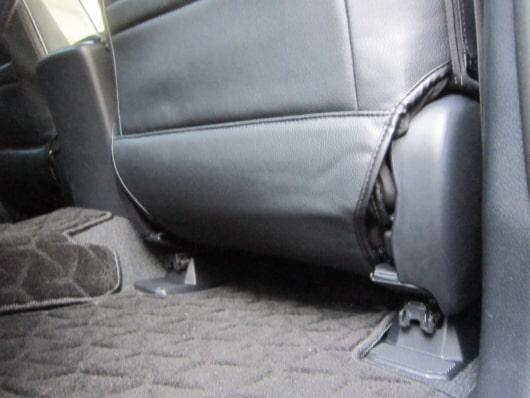 ドライバーズシート背面下部の仕上がり