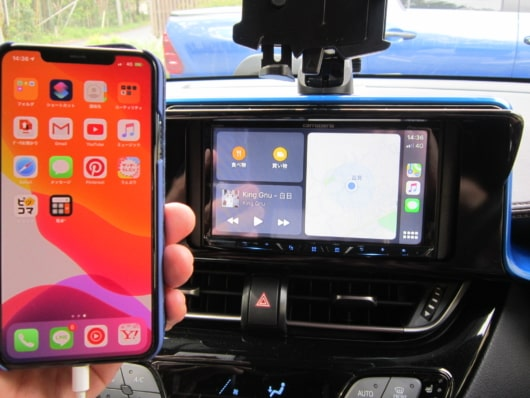 iPhoneとApple CarPlay接続画面