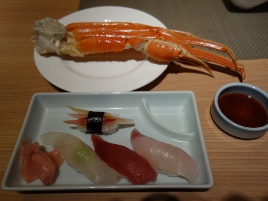 ズワイガニと握り寿司