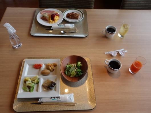バイキングスタイルの朝食