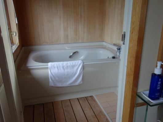 特別室牡丹の浴室