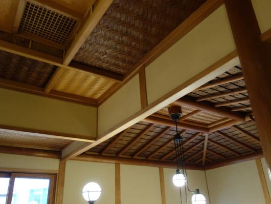 見事な天井板