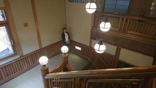 木造美溢れる階段