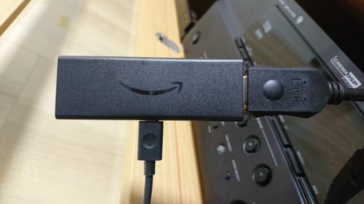 Amazon プライムのFire TV Stick。