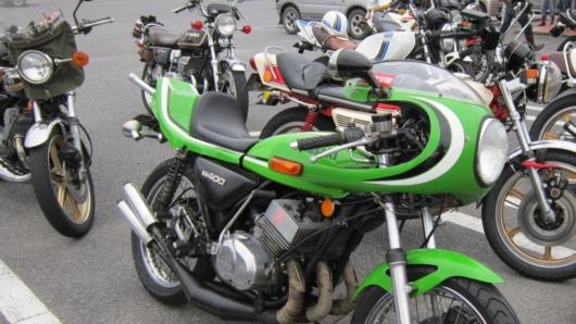 2ストロークエンジン カワサキKH400